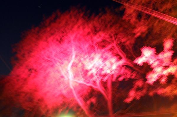 die farbe rot verbunden mit gefahr
