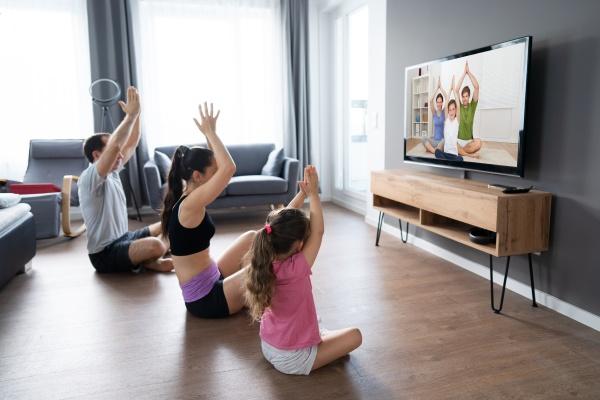 fit familie tun zu hause online