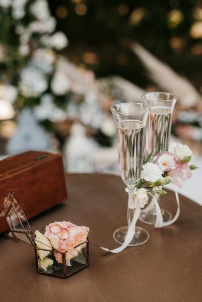 hochzeitsglaeser fuer wein und champagner