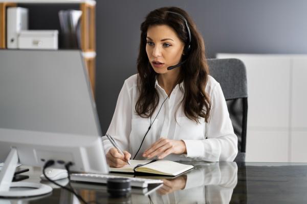 virtuelle, persönliche, assistentin, frau, machen, videoanruf - 29079450