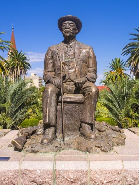 namibia windhoek hosea kutako statue revolutionaer