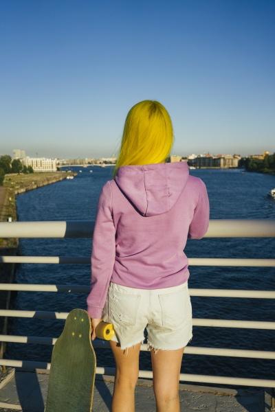 russland sankt petersburg longboard bruecke verschiedene