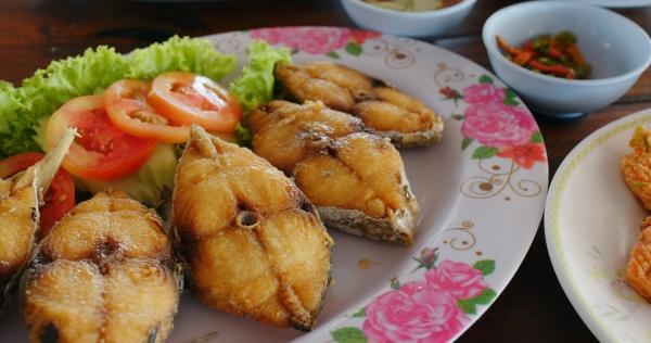 thai kueche im restaurant im freien