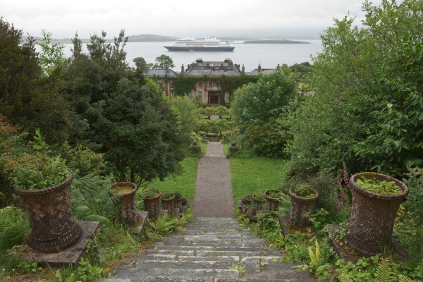 bantry house and gardens in county
