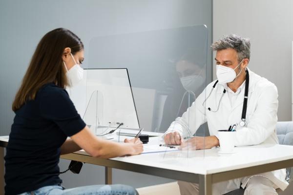 arzt medizinisches treffen mit patient