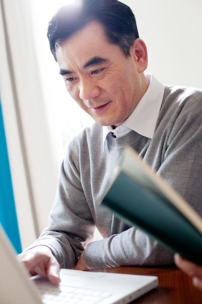 digitale senioren erwachsenen kommunikation aeltere maenner