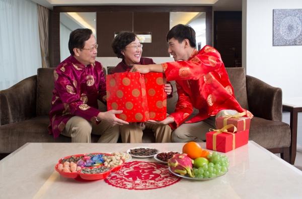 festliche gratulationen gesicht an gesicht chinesische