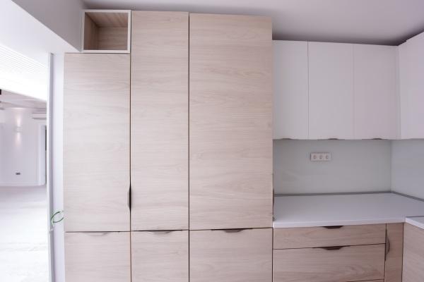moderne helle saubere kueche interieur