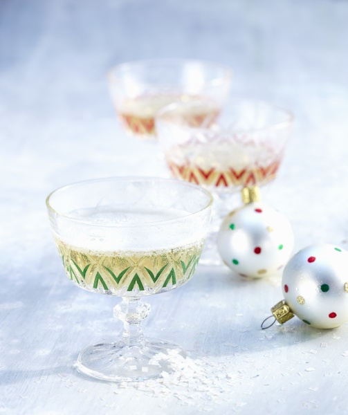 weihnachts champagner cocktails mit birnensaft stern