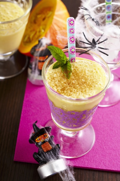 kuerbisshake kuerbismilchshake mit milch gewuerzen rum
