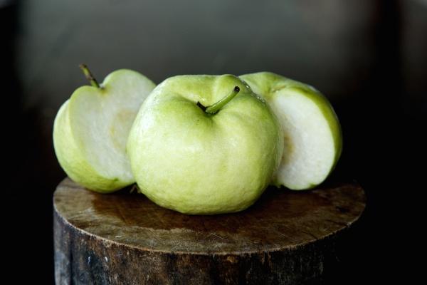 guave ist eine haeufige tropische frucht