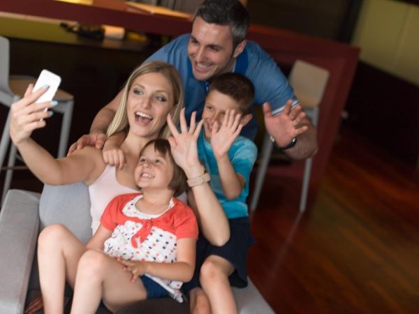 familie mit spass zu hause