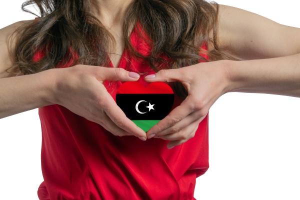 liebe libyen die frau haelt ein