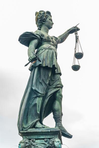 justitia denkmal frankfurt