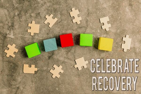 handschrift text celebrate recovery internet concept