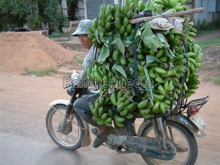bananenschwertransport
