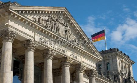 dem deutschen volke 01