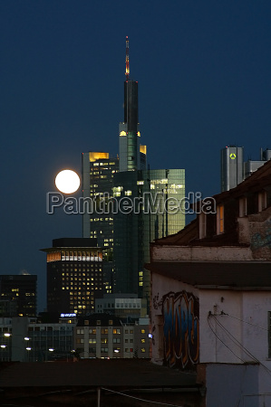 frankfurt skyline with a difference no