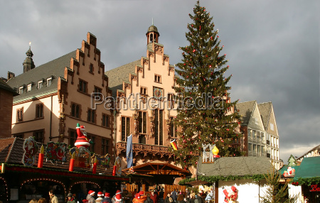 christmas market on the roemer frankfurt