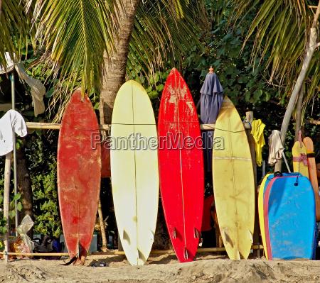 surfboards am strand von bali