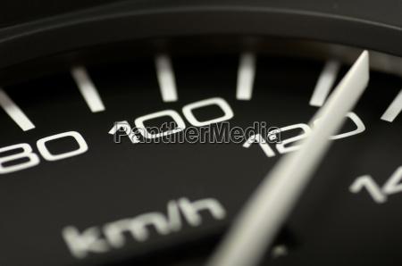 120 stundenkilometer