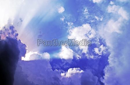sturmwolken klaeren auf