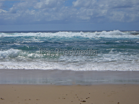waters wave quiet sandy beach wave