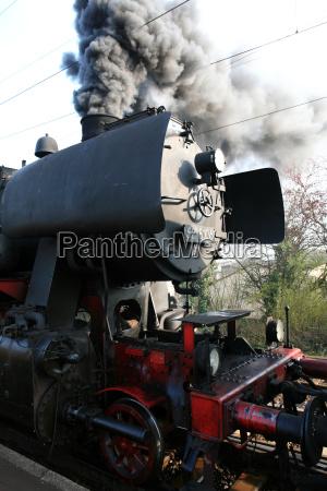 dampflokomotive unter dampf