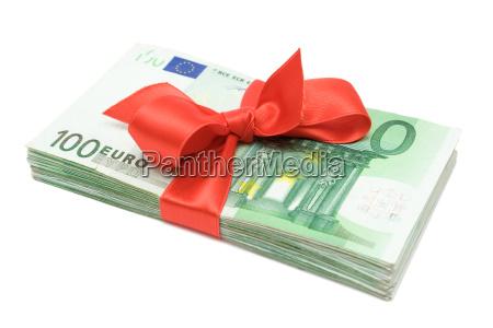 geldbuendel mit roter schleife