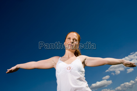 exstretched arms