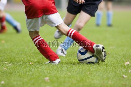 fussball zweikampf