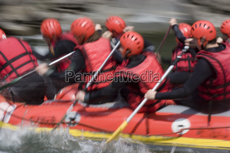 rotes rafting team