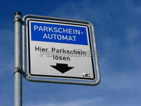 blau zahlen bezahlen verkehr verkehrswesen parkplatz