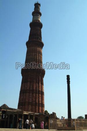 eisensaeule von qutb minar delhi
