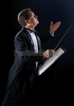 dirigent seitlich