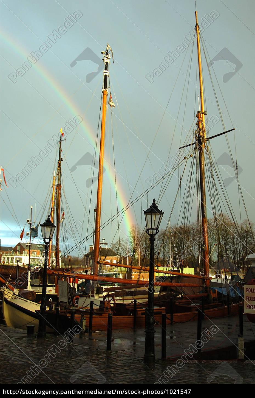 Regenbogen Segelboote Hafen Wetter Lizenzfreies Bild 1021547