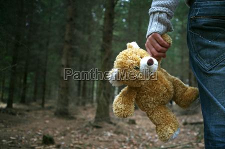 teddy teddybaer verlassen allein einsam desolat