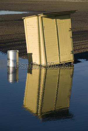 hut reflection