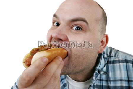 mann mit hot dog