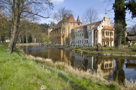 wolfersdorf water castle