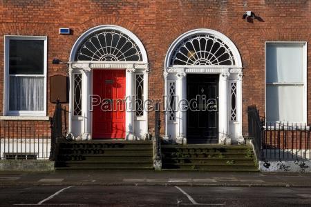 gewoelbe tuer baustil architektur baukunst irland