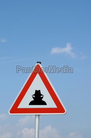 caution con artist
