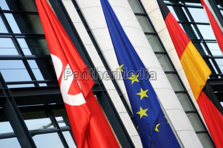 berlin fahne eu politik zentrale partei