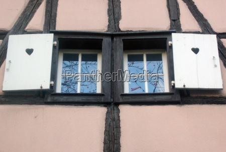 architektonisch fenster luke glasfenster fensterscheibe baustil