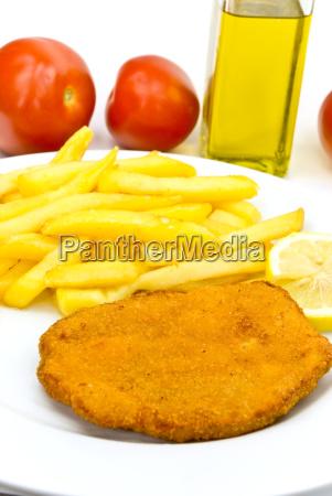 schnitzel mit pommes frites