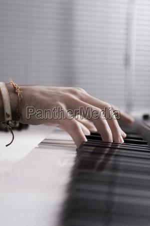tasten am klavier
