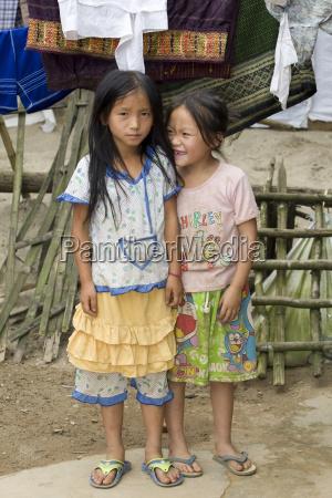 portrait hmong kinder in laos