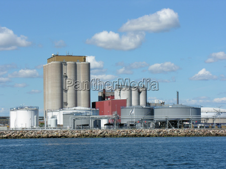 storage tanks and storage at the