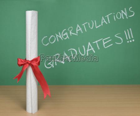 herzlichen glueckwunsch absolventen