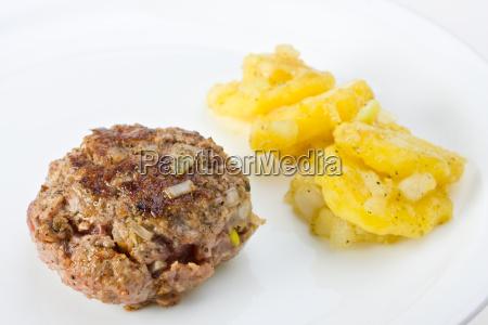 fleischpflanzerl mit kartoffelsalat